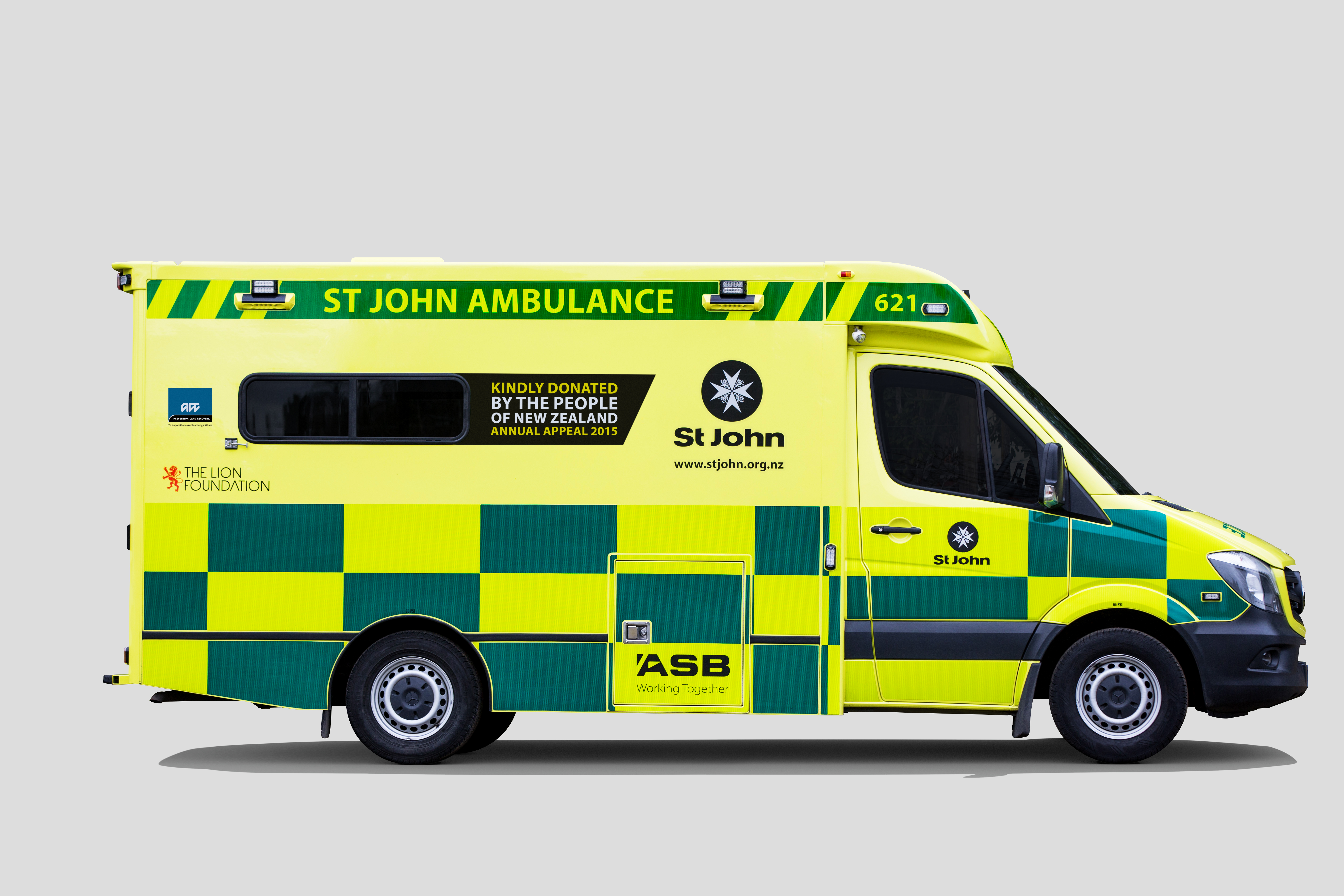st john says thank you to new zealand for 12 new ambulances clip art ambulance helicopter clip art ambulance transport
